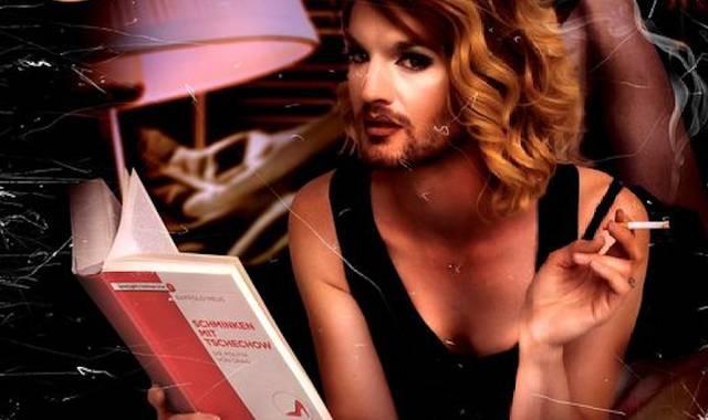 Travestie für Deutschland: Das Buch, Jacky-Oh Weinhaus
