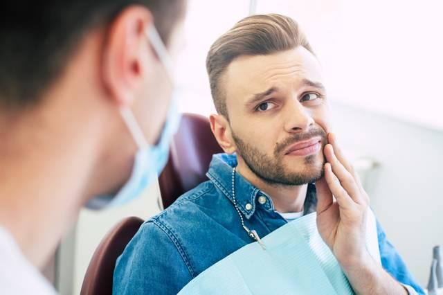 schwul-zahnarzt-gay-HIV-dentist-health-diskriminierung-LGBTI-magazine-health-gesundheit.jpg