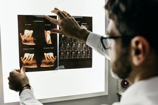 gay-schwul-dentist-zahnarzt-diskriminierung-HIV-LBGTI-magazine-health-gesundheit.jpg