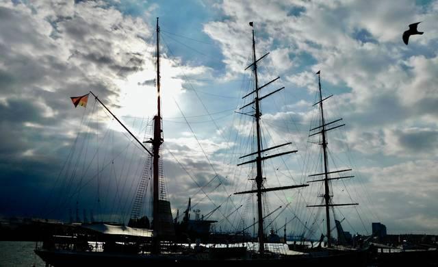 Hafen, Schiff