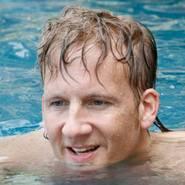 © Auch Schwimmen ist problemlos mit ContactSkin SPEED moeglich