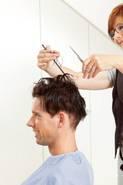 Die gefühlsechte, hauchdünne und luftdurchlässige Haarhaut ermöglicht jede gewünschte Frisur